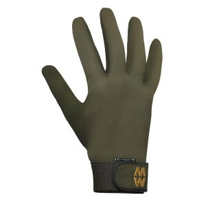 Please see picture for a size guideAll sizes availableWindproof, quick wicking and highly water resistant. The perfect shooting glove all year round. All grip, no slip - ideal for use in the dry and the wet. Superior fit ensures greater feel and comfort.Moisture management - the unique Aquatec material has inherent wicking properties which enhance comfort and performance.Insulation and protection - climatec is a unique material that offers the ultimate in insulation and protection without compromising performance.Easy wear easy care - durable and easy to wash. Hand or machine wash up to 40 0 C Max, to maintain glove performance.
